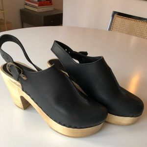 No. 6 (Number 6) clogs, size 8